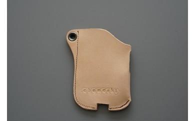 <商店街の老舗靴店>「キタノ」の手づくり革製iQOSカバーケース