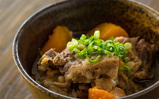 807 たっぷり使える!鹿児島県産黒毛和牛スジ肉1.8kg!!