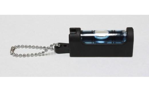 BA04 アクセサリー感覚に携帯できる水平器 水平くんプラス SU-BC(黒×青)【2500pt】