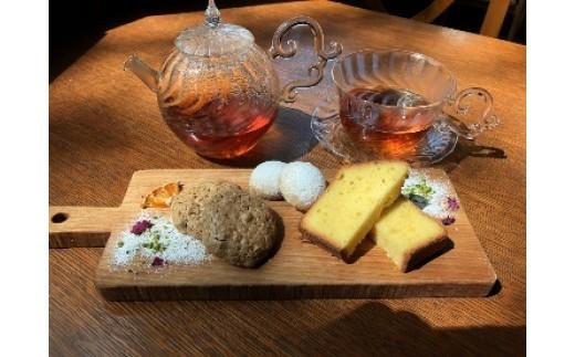 40-A.名古屋コーチン卵の洋菓子と紅茶セット
