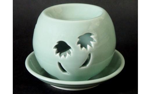 青磁茶香炉 「椰子」