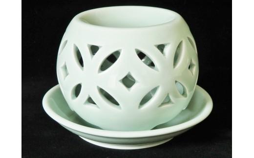 青磁茶香炉 「七宝」
