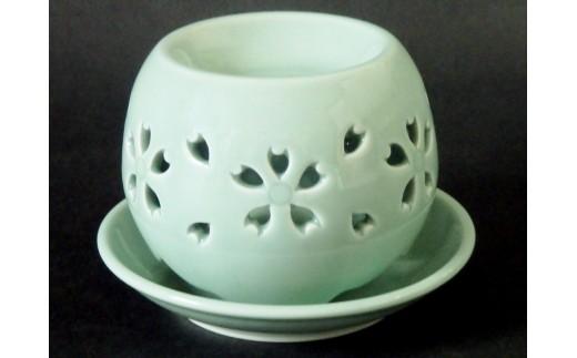 青磁茶香炉 「桜」