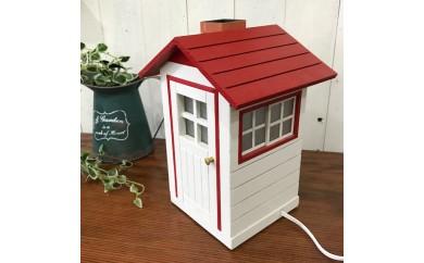 ミニチュア・ハウスの照明 赤色