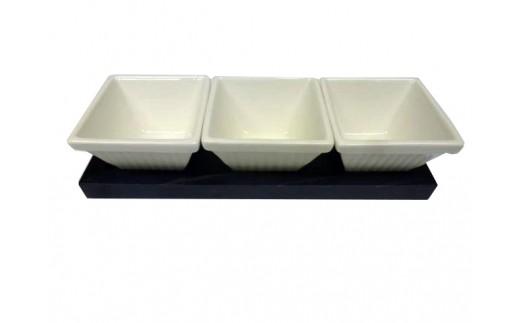 A055 藍染杉コースター・三種盛り 白磁(陶磁器)セット