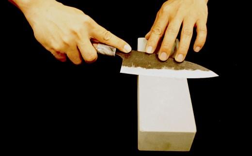 日本三大刃物土佐打ち刃物 黒打万能包丁×砥石セット