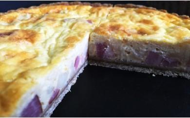 グリエールチーズとベーコンのロレーヌキッシュ。福岡県産小麦全粒粉入