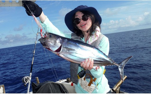 海人(うみんちゅ)と行く近海パヤオ釣り体験ツアー