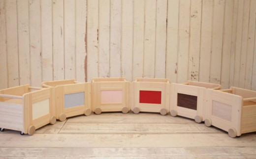 30-K865 【家具職人手作り】コロコロおもちゃ箱(レッド)【20000pt】