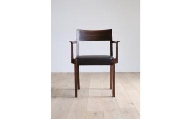 CARAMELLA Arm Chair ハイマート(皮革)