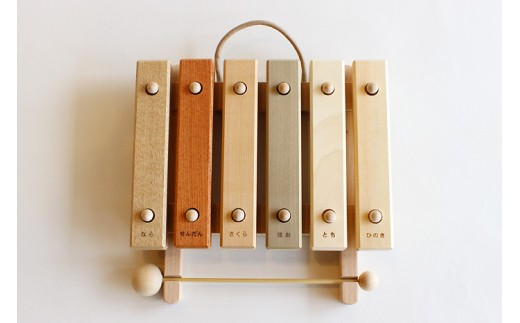 29S-0002 小さな森の合唱団 童話版 木琴【音色も豊かな知育玩具。持ち運びも便利な小サイズ】