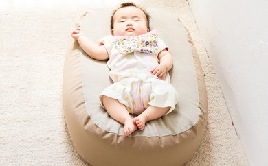 [№5824-0382]Cカーブ授乳ベッド「おやすみたまご」