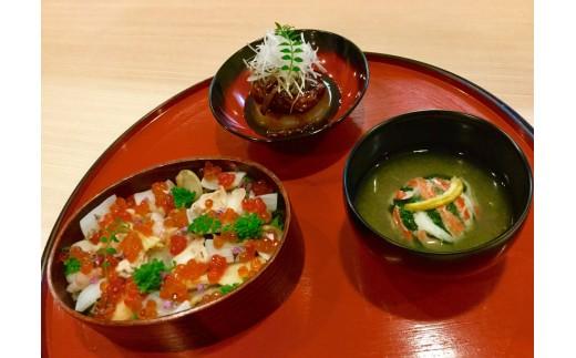 お弁当箱としてでなく、和のお膳でお使いいただいてもすてきです。※お椀等はつきません