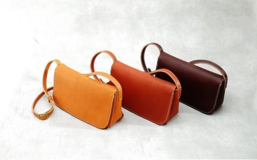 [№5666-0167]益子の革工房maharoの手縫いショルダーバッグ