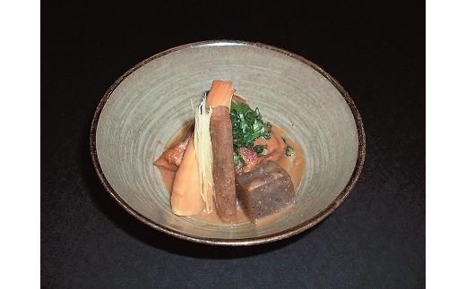 8B-41鶴鳴館鶴家 黒豚とんこつ煮(B)