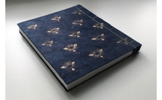 【女性藍染師が染める】紺表紙の和装丁本 (絵片面)☆御朱印帳や日記帳に