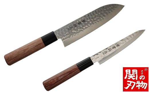 H22-17 兼常作 ステン1K6 鎚目磨き 赤合板丸柄 三徳&ペティ 包丁セット