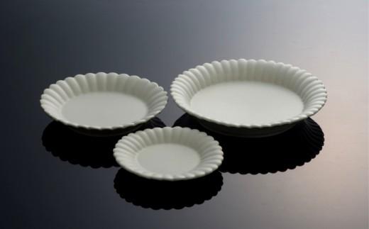 〔臼杵焼〕白磁輪花デザート皿(大中小)3枚セット