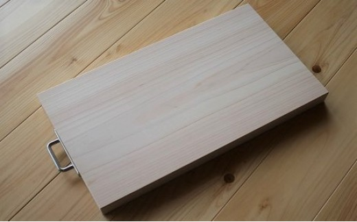 AE-8.【美味しいものを食べて元気に】吉野産ヒノキのまな板(大)