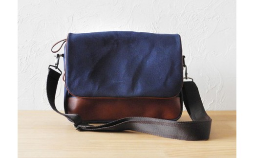 676 CURRENT - SHOULDERBAG(ネイビー)