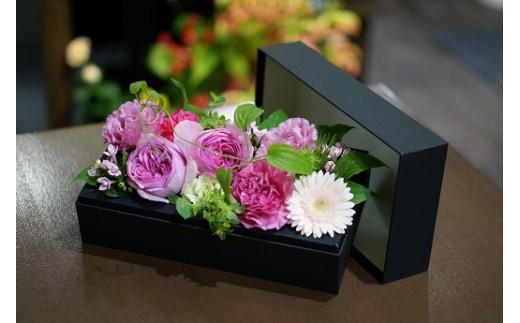 H-037.【定期便4回】季節の生花のフラワーボックス