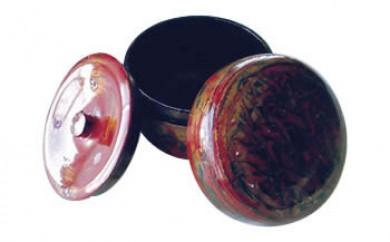 伝統の技で作り出される美しさが生活を彩ります! 「秋田塗 堆漆茶筒」