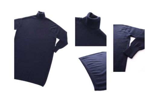袖口は長めのリブをあしらい、すっきりと着こなせます