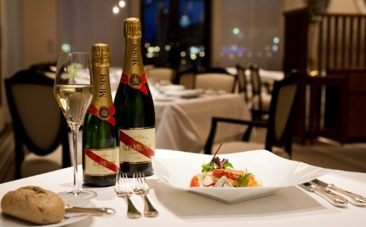 「ホテルラ・スイート神戸ハーバーランド」レストランディナー券