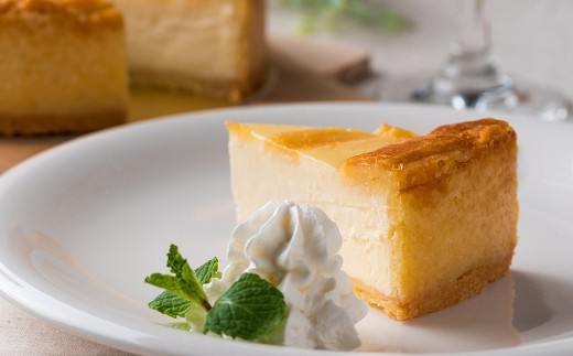 濃厚なのにレアチーズケーキと間違えられるほどクリーミーな味わい