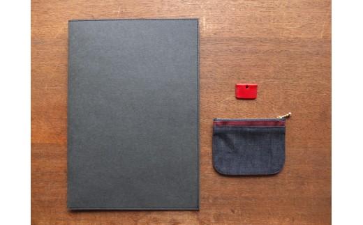 ミニ財布とキーカバーとファイル