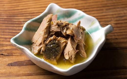 ◆数種類のハーブとユズで香りづけしたオイルで煮込んだ缶詰です。天日塩が大きめにカットしたカツオの旨味を引き出します!