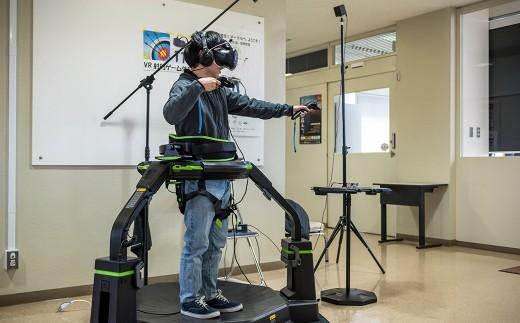 最新のVR技術を体験しながら、その仕組や構造を学び、新たなソフト・ハードウェアの開発思想を学んでいきます。