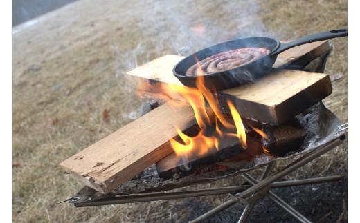焚き火とスキレットがあればキャンプグルメが楽しめます!