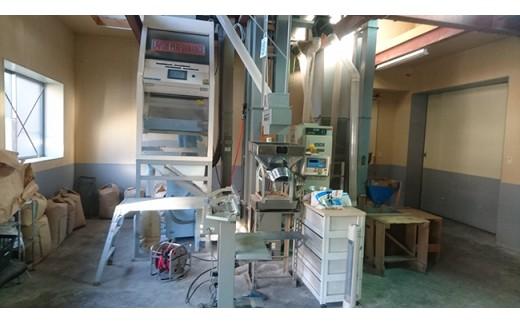 自社の品質管理、精米工場