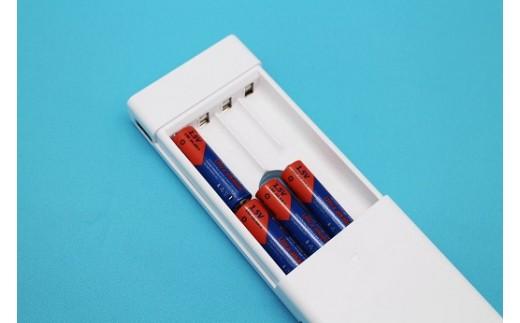 単三形電池8本でスマホが約2回充電できるモバイルバッテリー03(アルカリ乾電池8本が付いています)