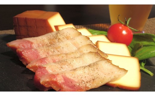 DA-02 【リピーター急増中】ベーコン屋のオヤジの無添加ベーコン(約480g)とスモークチーズ(約290g)