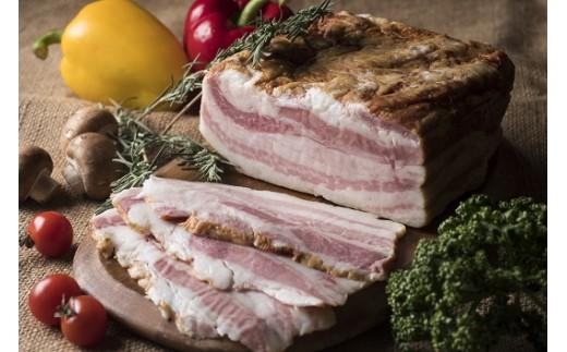 【0533】放牧豚のブロックベーコン