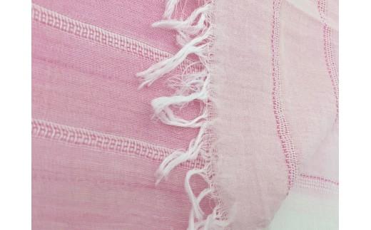 80/1の糸(糸の太さを表す単位。数値が大きいほど細くなります。)を使用して、サテン織の中にパナマ柄を入れて風通し良くしています