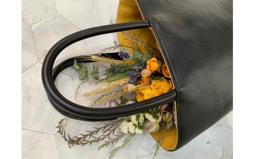 写真はイメージです。※バッグの中のお花は対象外です。