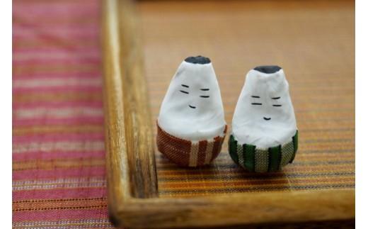 会津木綿であしらった手づくりの会津伝統民芸品「起き上がり小法師」 こちらが2つ付いてきます(色はお選びいただけません)