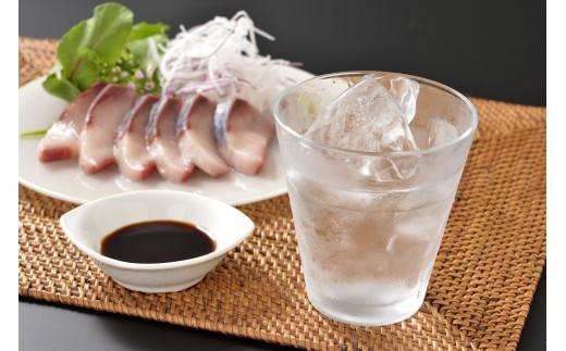 黒麹特有の深い味わいと口の中に広がる甘味が特徴で、飲み応えのある逸品です。