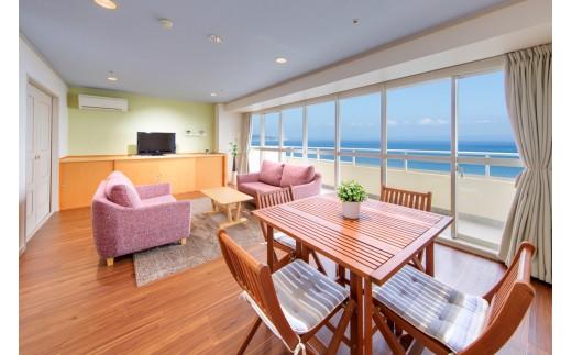 本館は全室オーシャンビュー!どのお部屋も一般的なホテルよりも広い客室が当館の自慢です。