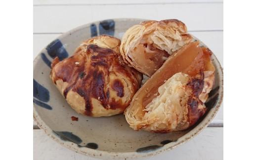 上田産のリンゴがぎっしりのアップルパイ。
