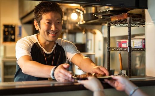 温かいおもてなしを体感できる店主やスタッフとの距離の近さもポイント。