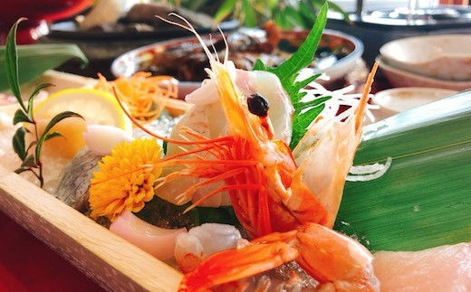 魚づくしの豪華なコース料理に舌鼓