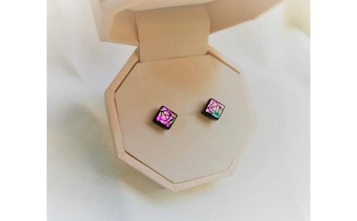 デザインを選べる螺鈿ジュエリー[ピアス]七宝文様 ピンク系(10mm)