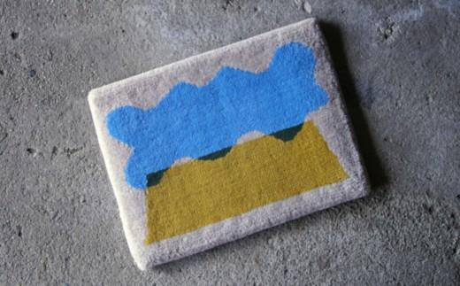 050-008-01 山と雲
