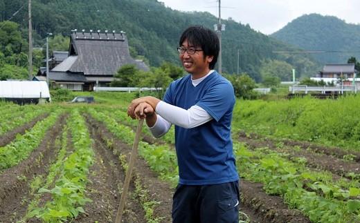 京丹波町ののどかな山里で林農園は黒大豆を栽培されています。