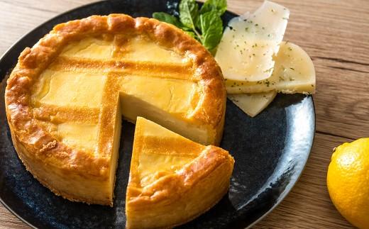 トロイカ チーズケーキ5号(直径15cm)と自社製チーズのセット