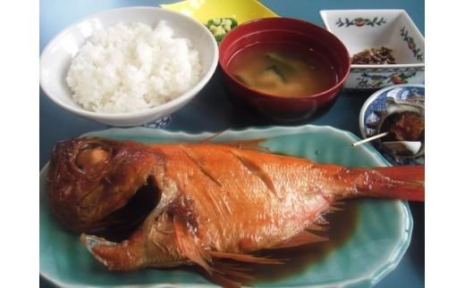カネシチ水産自慢の姿煮定食は2,500円